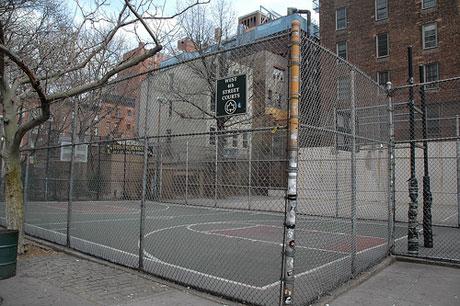 秋日的篮球场